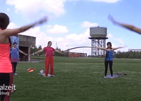 Wetterbericht mit Yoagna Yoga im Park (Video)
